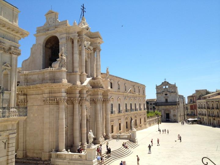 syracuse_Siracusa_italy_italia_train_ticket_italia_europe_book_cheap_flight_yeet_magazine