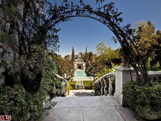 100_carolwood_drive_michael_jackson_home_listed_for_sale_luxury_real_estate_yeet_magazine_12