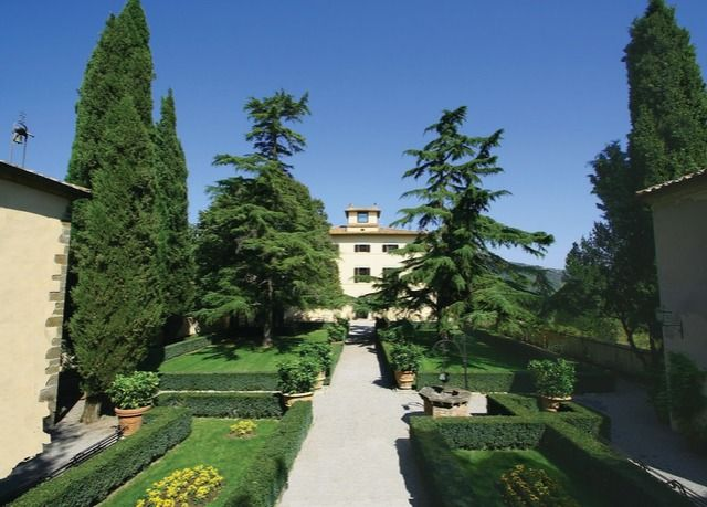 Enchanting country mansion in central Italy.