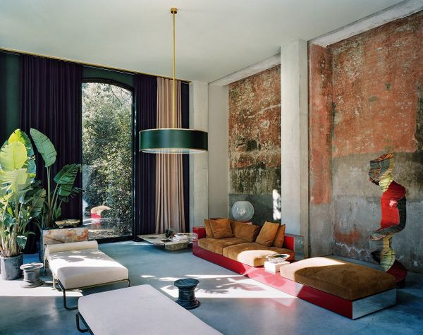 Tuscan home by Vincenzo De Cotiis