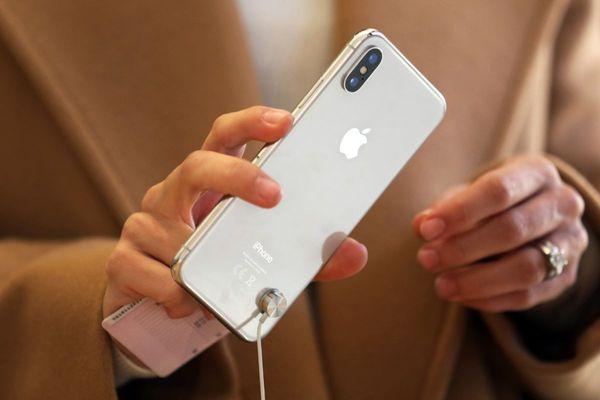Apple to release three phones: Report