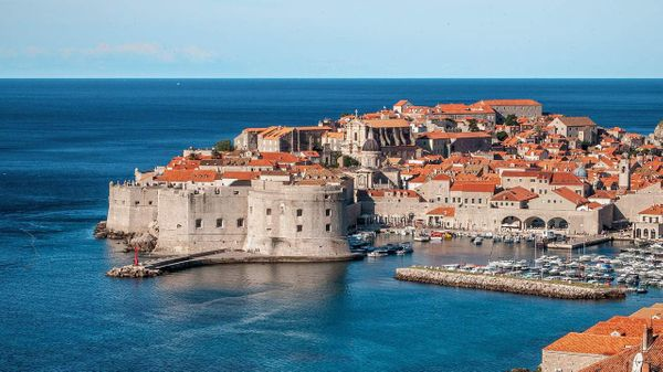 2 minute travel guide to Dubrovnik, Croatia