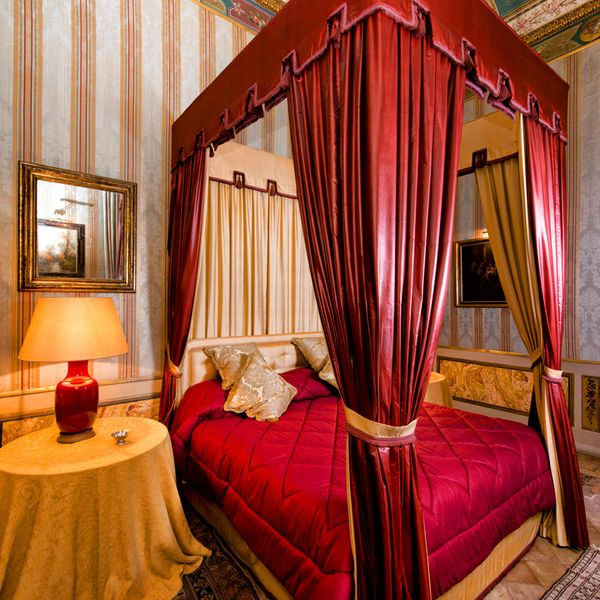 The traditional elegance of Residence Bonaparte.