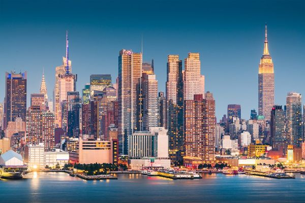 New-York City Appartment  Sales In Manhattan Have  Dropped by 46% In Third third quarter, leaving 10,000 unsold units,  A Record.