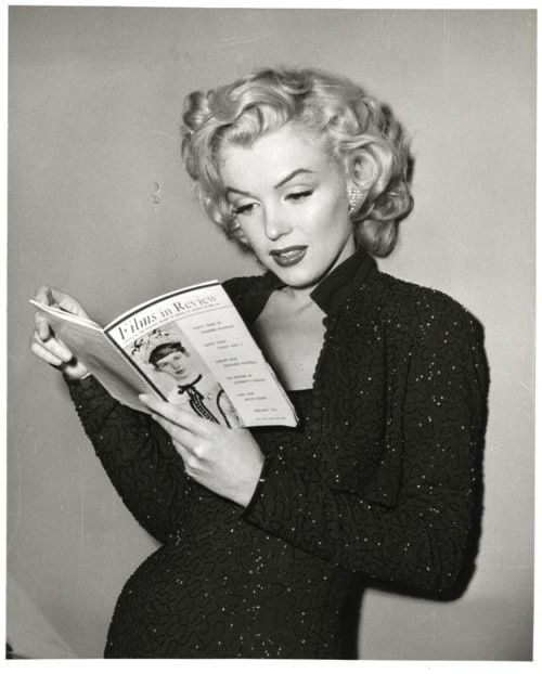 Marilyn Monroe Read 5 Books A day,  Many Of Which Were Written By  Female Authors.