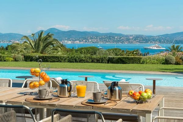 France : These Exquisite Luxury Properties Could Be Yours To Rent On Airbnb Luxe And Prices Are Ridiculously high